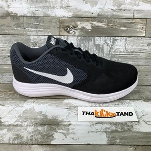 Nike Revolution 3 (4E) Wide Width Running Shoes